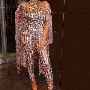 Rose Gold jumper as seen on Influencer Amrezy